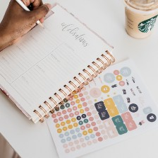 Writing in a planner—Why I Started to Write a Monthly Post About My Most Popular Posts