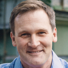 Mike Signer