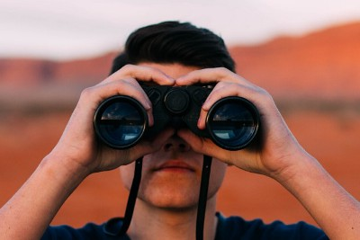 """8 digital marketing tools to """"spy"""" on your competition"""