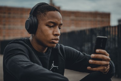5 Surprising ways listening to music can impact the mind