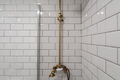 New Resident Cleaning Guide for Your Apartment's Glass Shower Doors