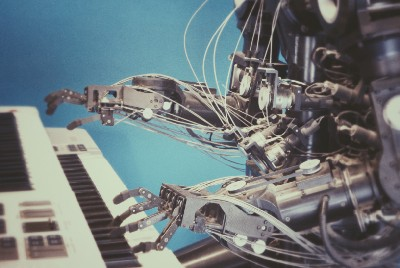 Top Advantages and Risks of Artificial Intelligence (AI)