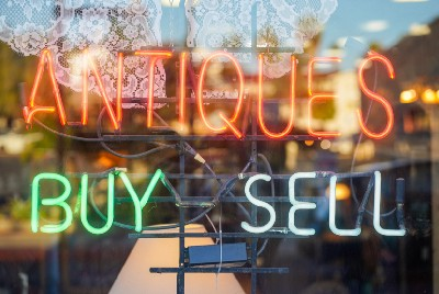 Antique Store Haggling Tactics That Will Save You Money And May Get You Killed