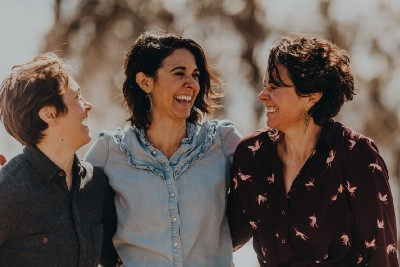 Episode 32: Finding Healing through Flowers with Gather Mountain Blooms' Sisters, Nikki McComsey…
