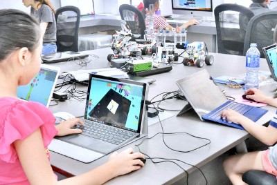 Advantages of Real World Technology Camps: Roblox
