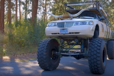 Off-Road Lincoln Limo Is A Lifted Beast