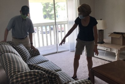 Schlepping to Help Arriving Refugees Feels Good in Charlotte