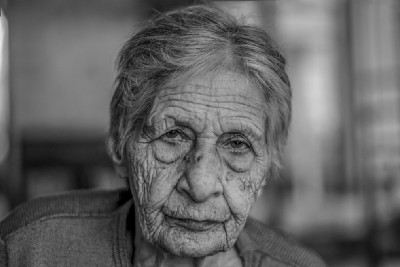 My 92-Year-Old Neighbor Taught Me Powerful Life Lessons