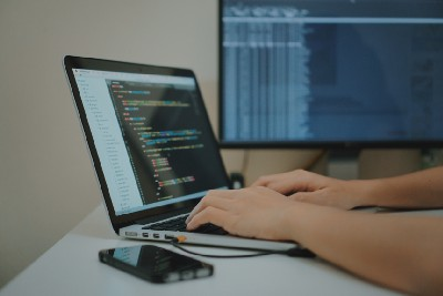 15 Signs of a Reliable Computer Programmer