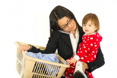 CHILD SUPPORT SHOULD BE A MINIMAL AMOUNT TO PAY BABYSITTER(S) TO HELP MOMS KEEP JOBS?