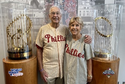 Phillies alum surprised by family with trip back to Philadelphia