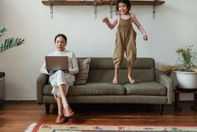 Easy Ways to Learn Digital Marketing Skills While Raising Your Children
