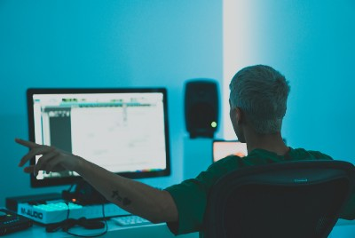 8 Simple Tricks EDM Artists Use To Make Their Drops Sound More Powerful