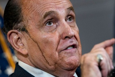 FBI raid exposes Giuliani and signals widening criminal search