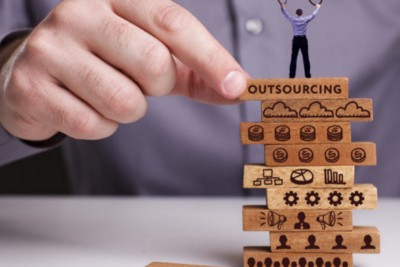 How Outsourcing facilitate Businesses Growth in 2021?
