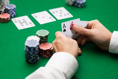 Here's a life lesson I learned from playing online poker.
