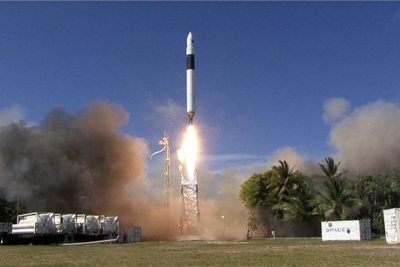 """""""Liftoff"""" Showcases the Game-Changing the Early Days of SpaceX (Book Review)"""