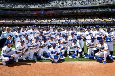 Dodgers receive their 2020 World Series rings