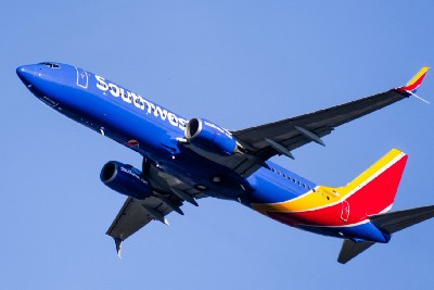 Southwest Airlines drops almost 33% of its flights Sunday