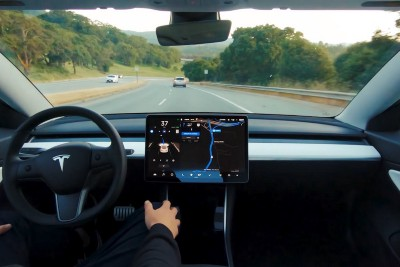 Full Self-Driving Public Beta Targeted for Release Next Month
