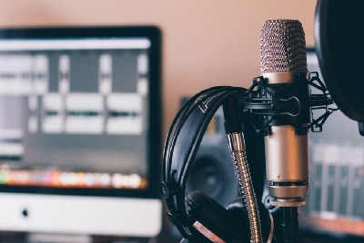 6 Best Tools for Podcasting