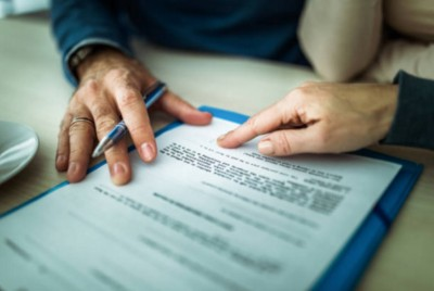 BANK OUTSOURCING CONTRACTS: WHAT TO LOOK FOR WHEN REVIEWING THEM