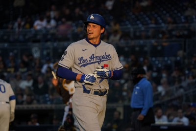 Notebook: Seager won't need surgery; Price, Tsutsugo to join club Monday