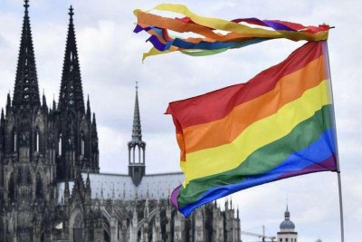 German Catholic Clergy Defy Pope to Bless Same-Sex Couples