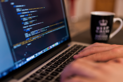 Why you shouldn't stick to one programming language or paradigm