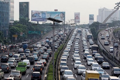 """""""Car for Sale!"""" Auto Commodification and Its Impact on the City: the Story of Jakarta"""