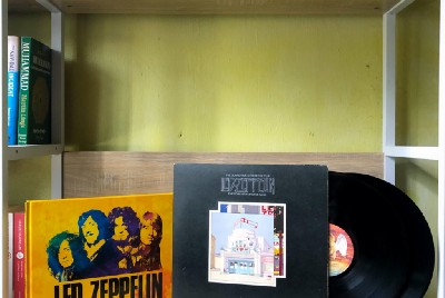 ON TREASURES OF LED ZEPPELIN: EXPERIENCE THE BIGGEST BAND OF THE 70S WRITTEN BY CHRIS WELCH