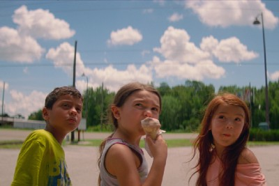 Through Compassion and Chaos, 'The Florida Project' Welcomes Contemporary Family Dynamics