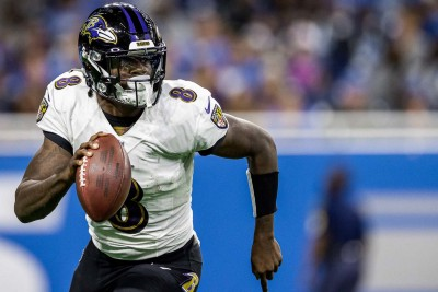 What Makes Lamar Jackson and the Baltimore Offense so Special?