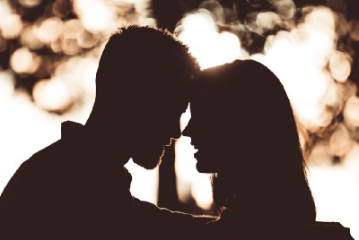 4 Reasons Why Exclusive Dating Sucks And How To Handle It.