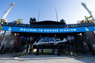 Notebook: Papa Cantella's Dodger Dogs, more concessions open up