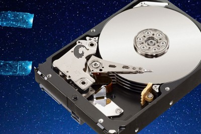 How hard disk drive work? How are data accessed by an OS?