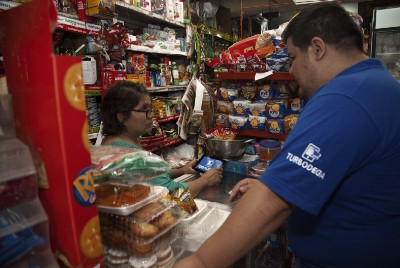 """""""Amazon will kill Mom&Pop grocery stores"""" and other retail myths in Latin America that we continue…"""