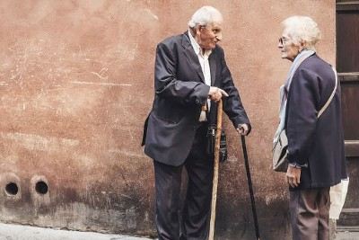 5 Tips for Communicating Better When Dementia Is Involved