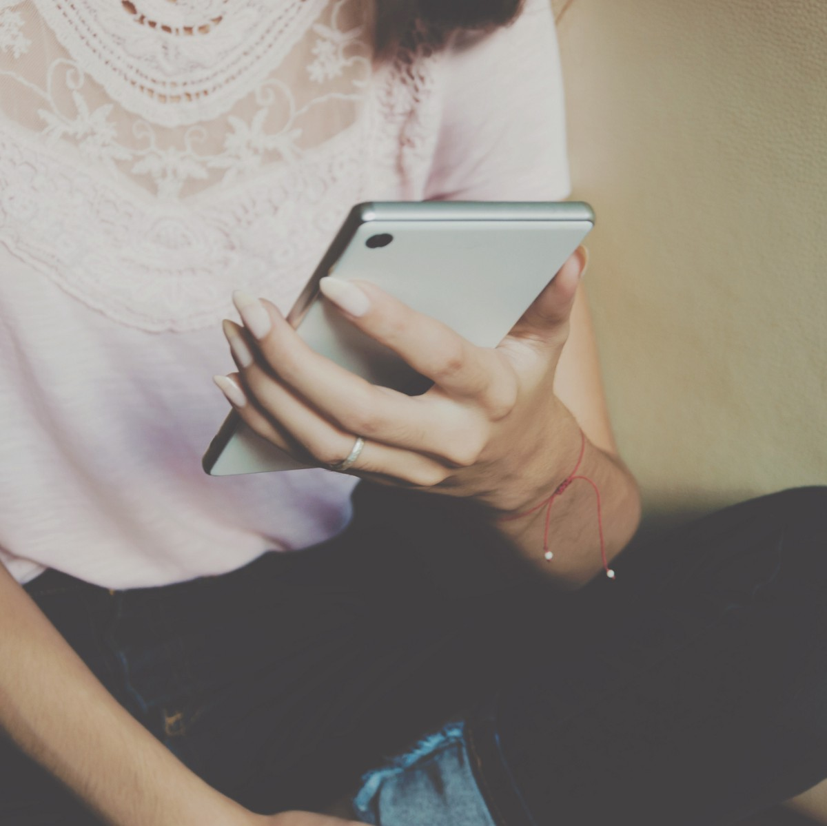 Why You Should Stop Asking for Parenting Advice on Facebook
