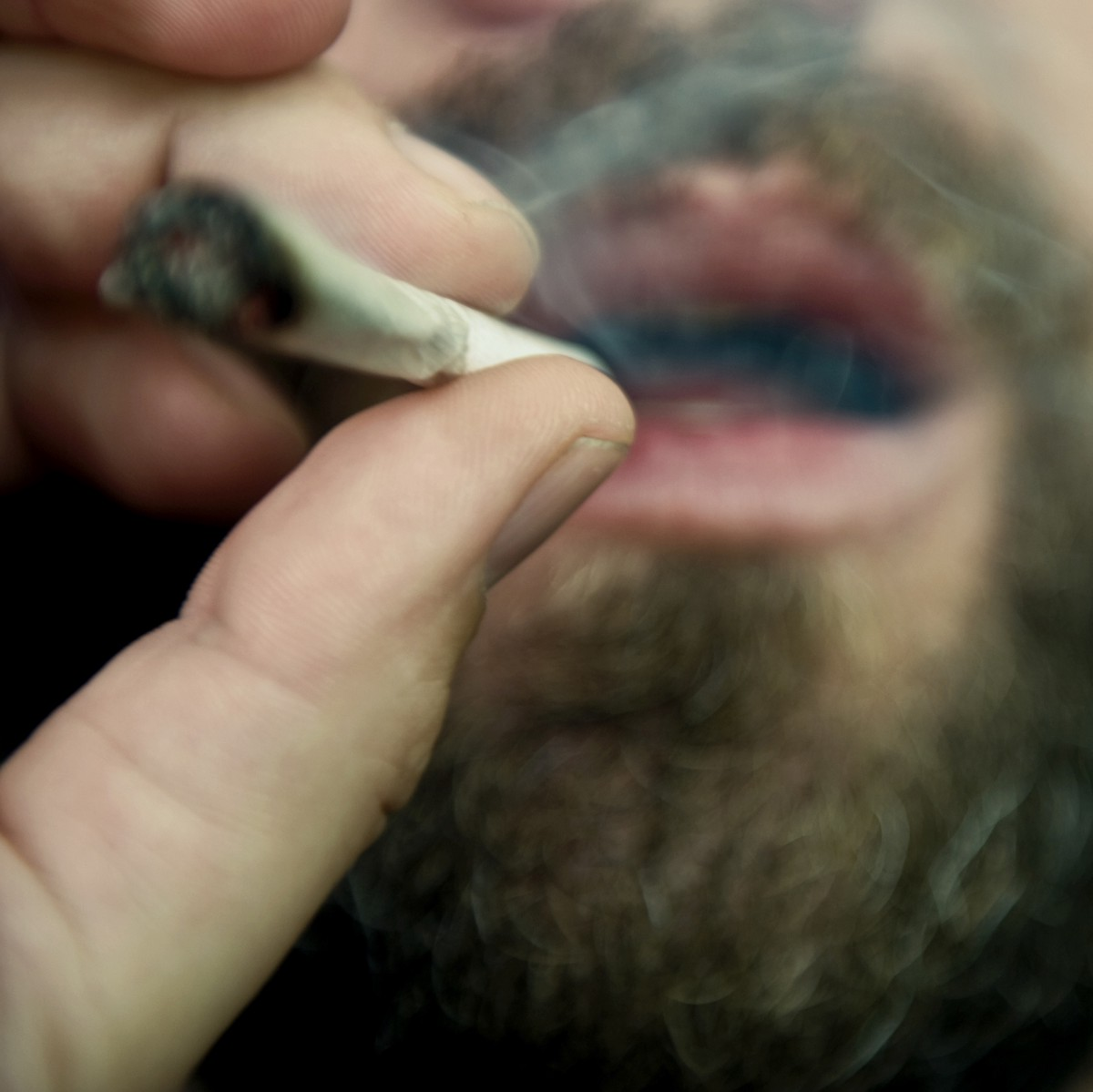 What to Know About Men, Marijuana, and Miscarriage