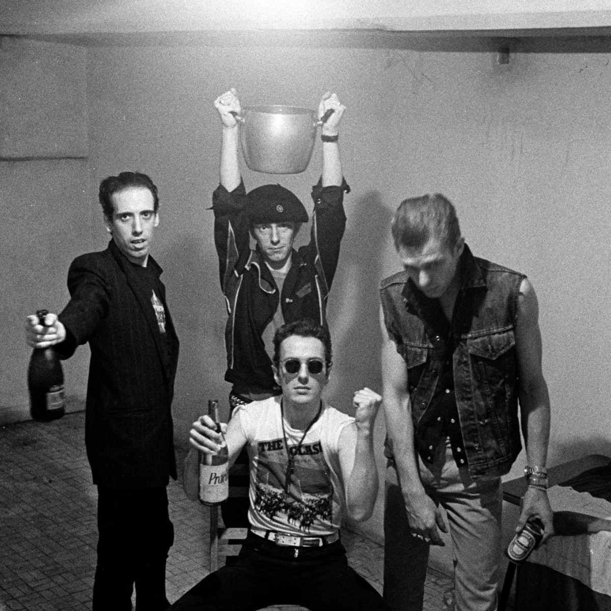 The clash london calling songs