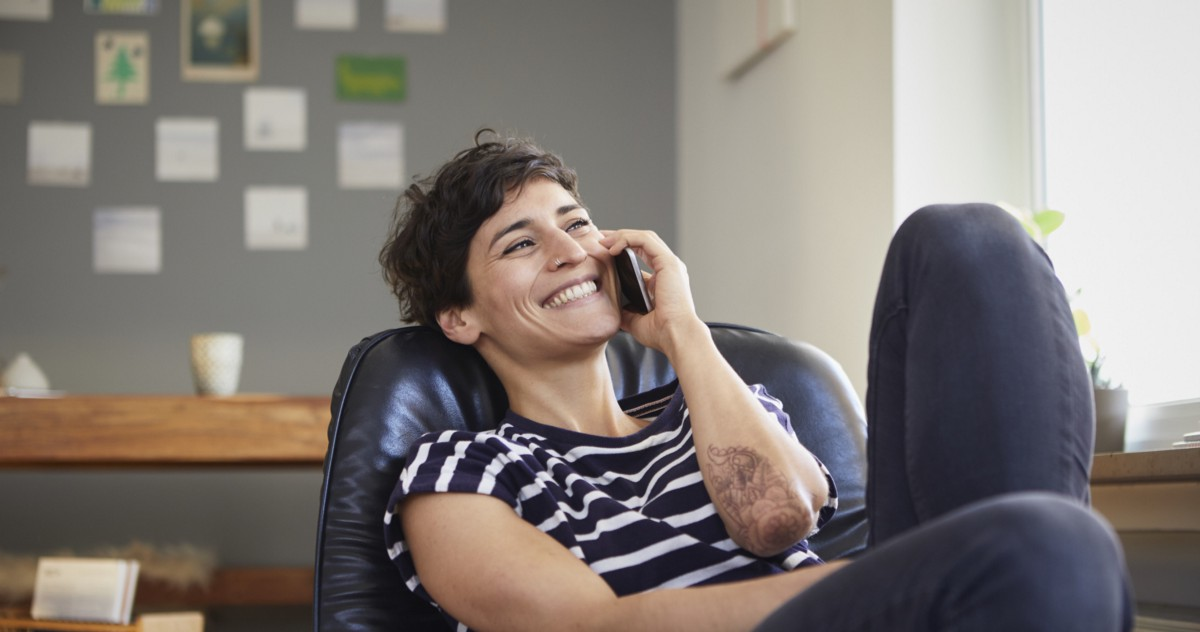 5 Phone Calls You Should Make Every Week to Get Ahead in Your Career