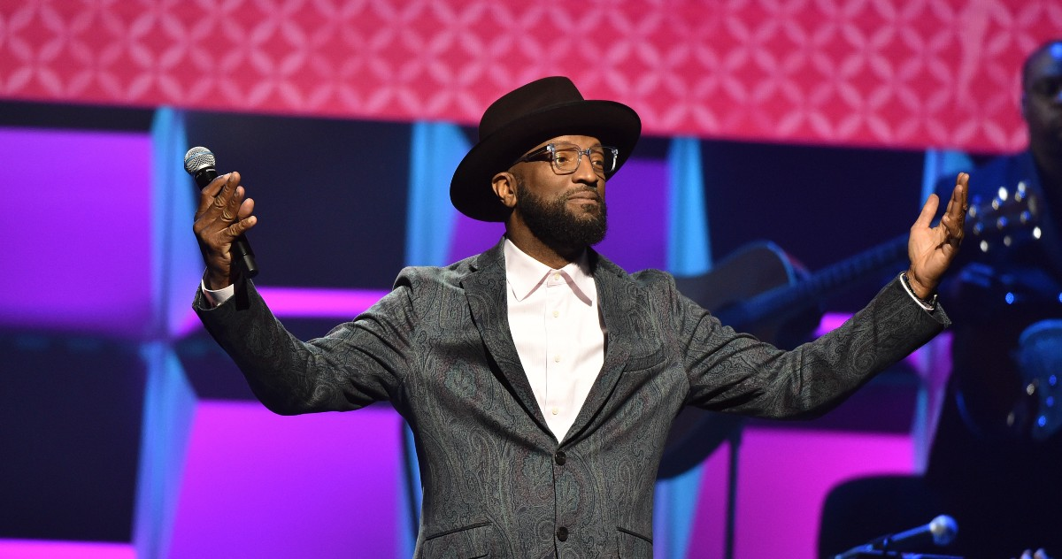 Come Get Your Man: Rickey Smiley's Dress Problem
