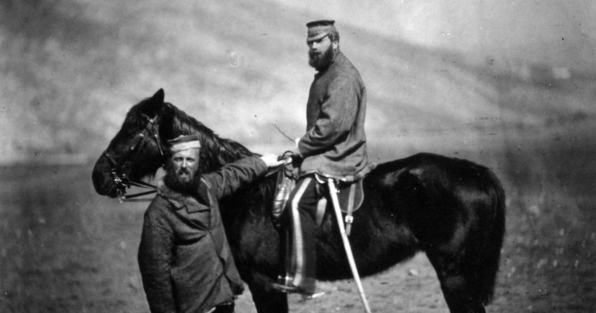 These photos of soldiers and their horses show the battlefield on the threshold of modernity