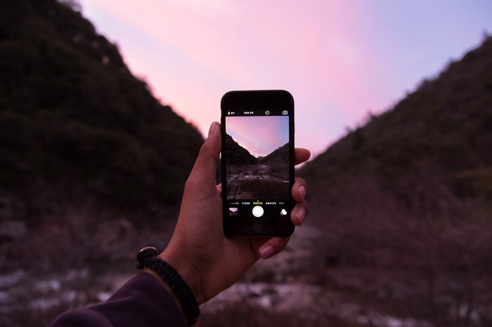 20 Brilliant Websites To Download iPhone Wallpapers For Free