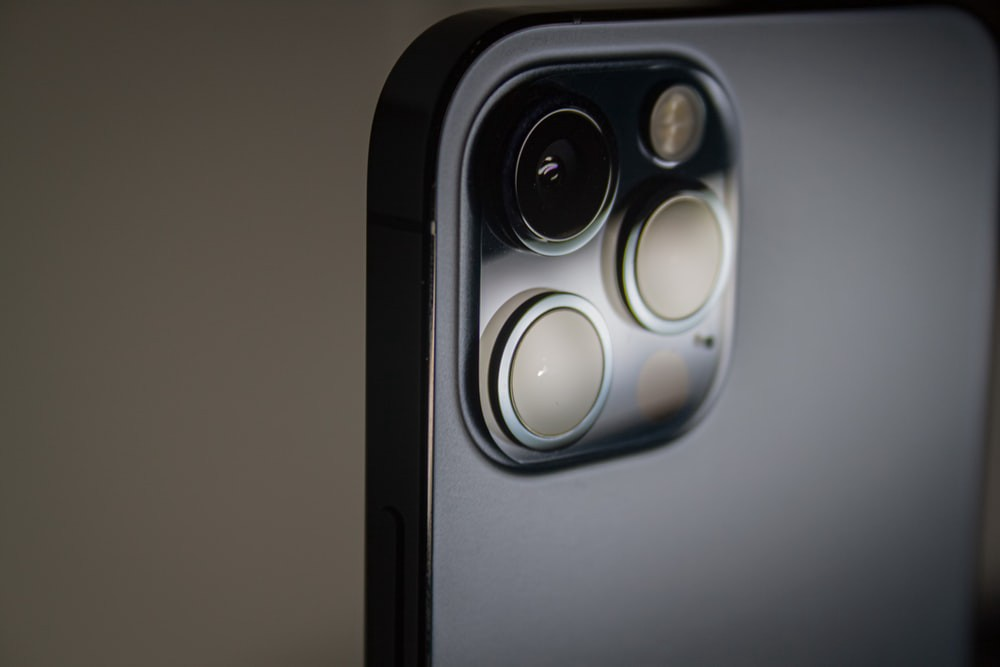 iphone-12-pro-the-iphone-that-should-not-exist