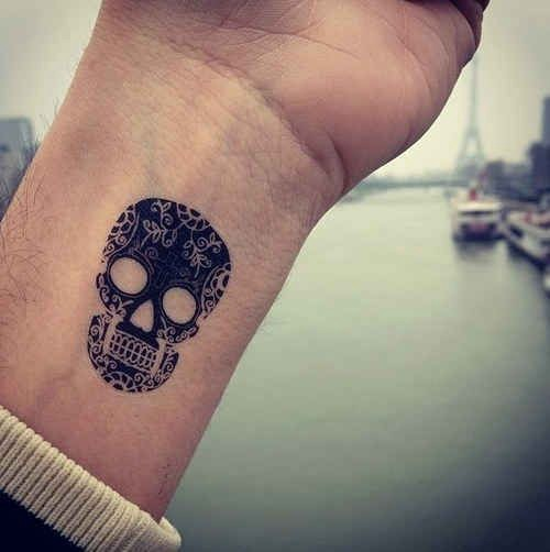 68f2f4362e3ac Via 65 Totally Inspiring Ideas For …Sugar skulls are one of my favorites!  I'd get this one in turquoise.