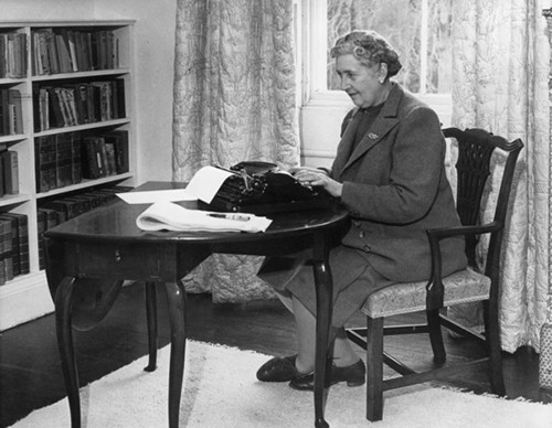 100+ Famous Authors and Their Writing Spaces - The Writing Cooperative