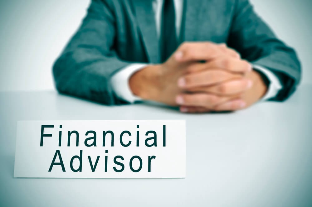 The Three Types of Financial Advisors | by Alice Raynott | Medium
