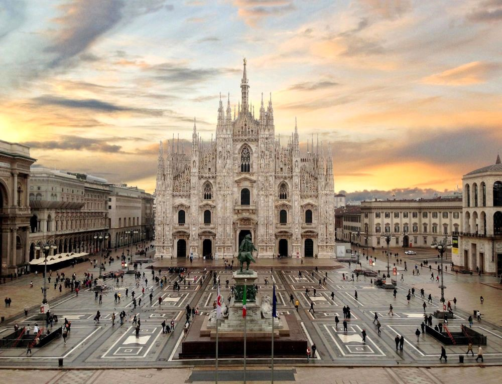 Beautiful Duomo di Milano - Rashel Jones - Medium